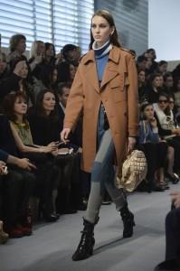 Louis Vuitton : Runways - Paris Fashion Week Womenswear Fall/Winter 2014-2015