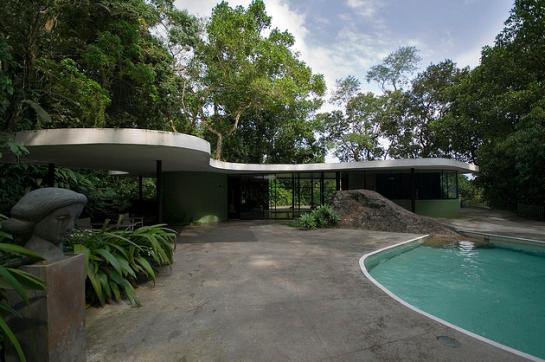 Casa das Canoas - Oscar Niemeyer