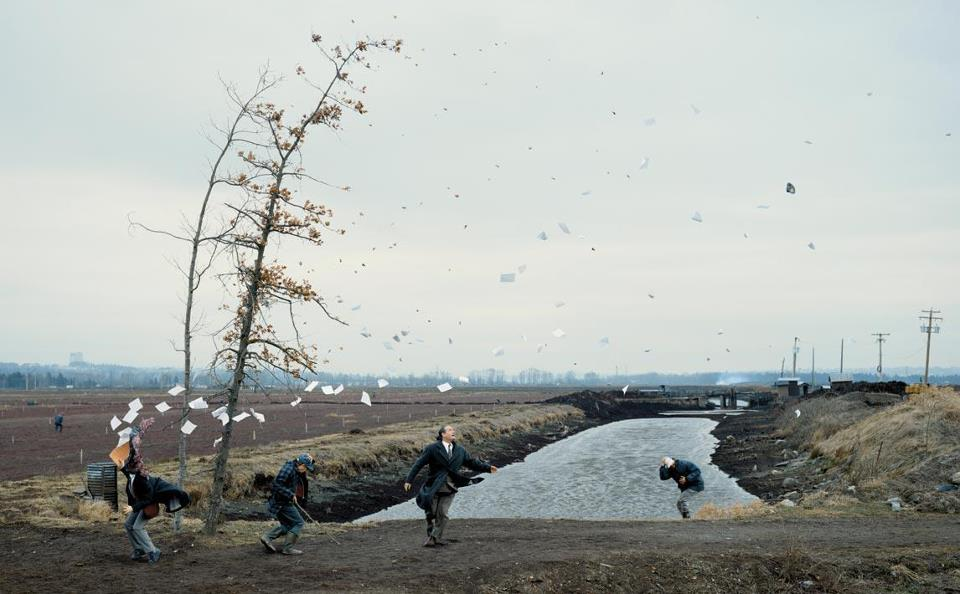 Jeff Wall - A sudden gust of wind (after hokusai)