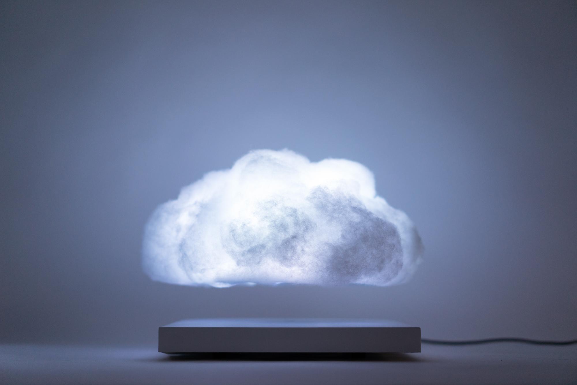 Floating Cloud / Richard Clarkson