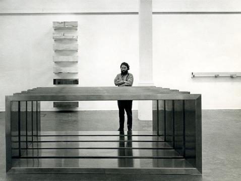 Gli oggetti che definiscono lo spazio il minimalismo di for Oggetti minimal